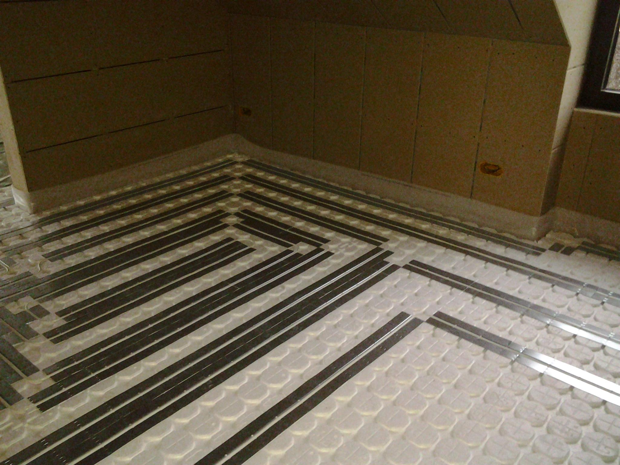 ga l pirlot chauffage plomberie et sanitaire ciney installation de chauffage. Black Bedroom Furniture Sets. Home Design Ideas